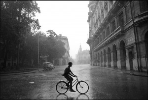 bicycle-in-the-rain